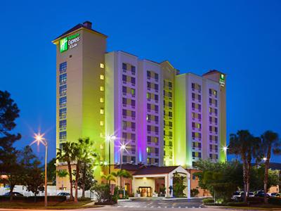Holiday Inn Express & Suites Nearest Universal 400x300